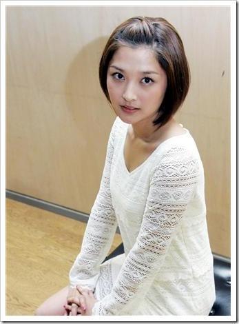 Yoshizawa_Hitomi_Ishikawa_Rika_09