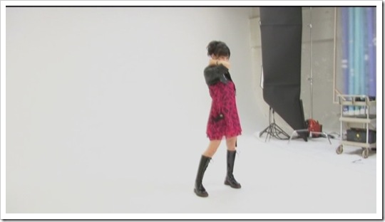 Berryz_Koubou_Dakishimete_Dakishimete_Making-of_003