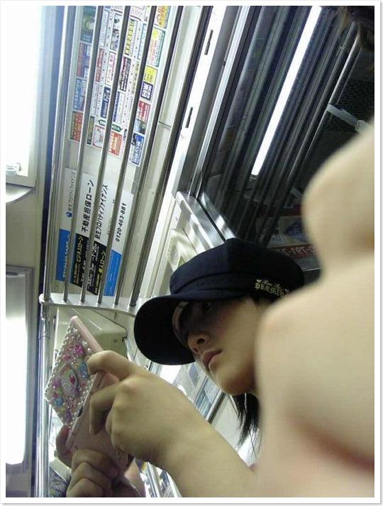 Densha_Momoko_02